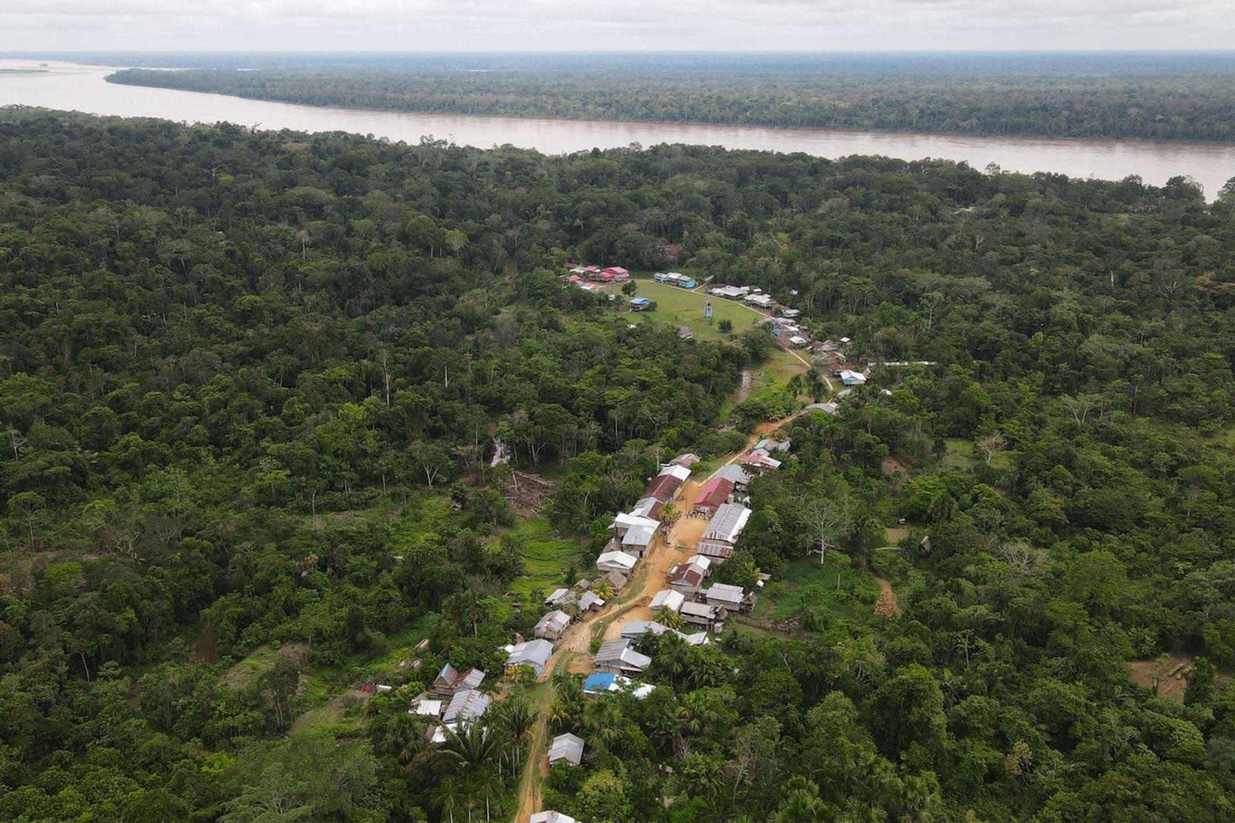 MEM llama al diálogo a comunidades de Loreto para seguir el camino de la concertación
