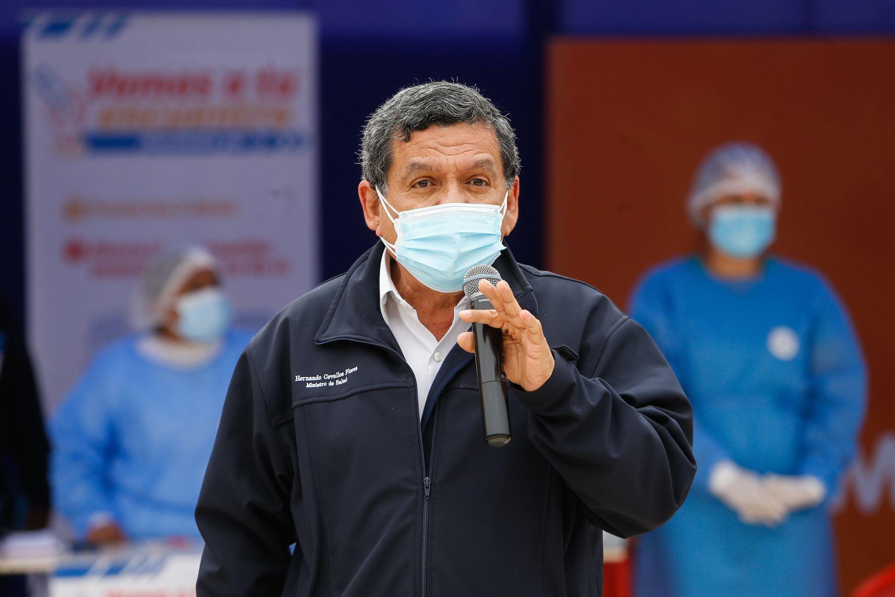 Ministro Cevallos confirma tercera dosis contra la covid-19 para personal de salud
