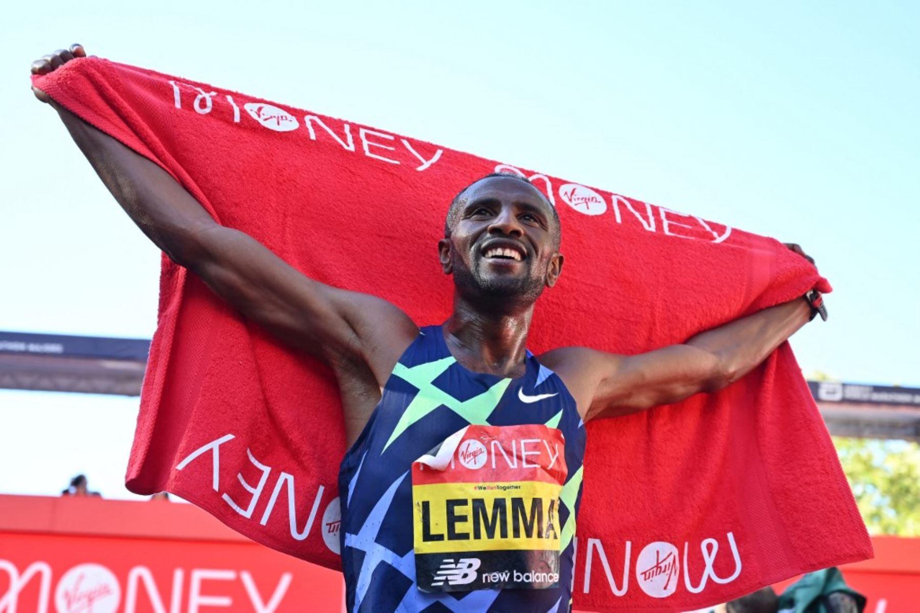 El etíope Lemma y la keniana Jepkosgei reinan en el maratón de Londres