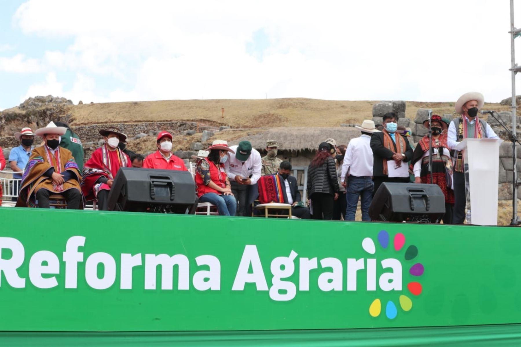Gobierno consolidará vías de accesos para fortalecer emprendimiento campesino