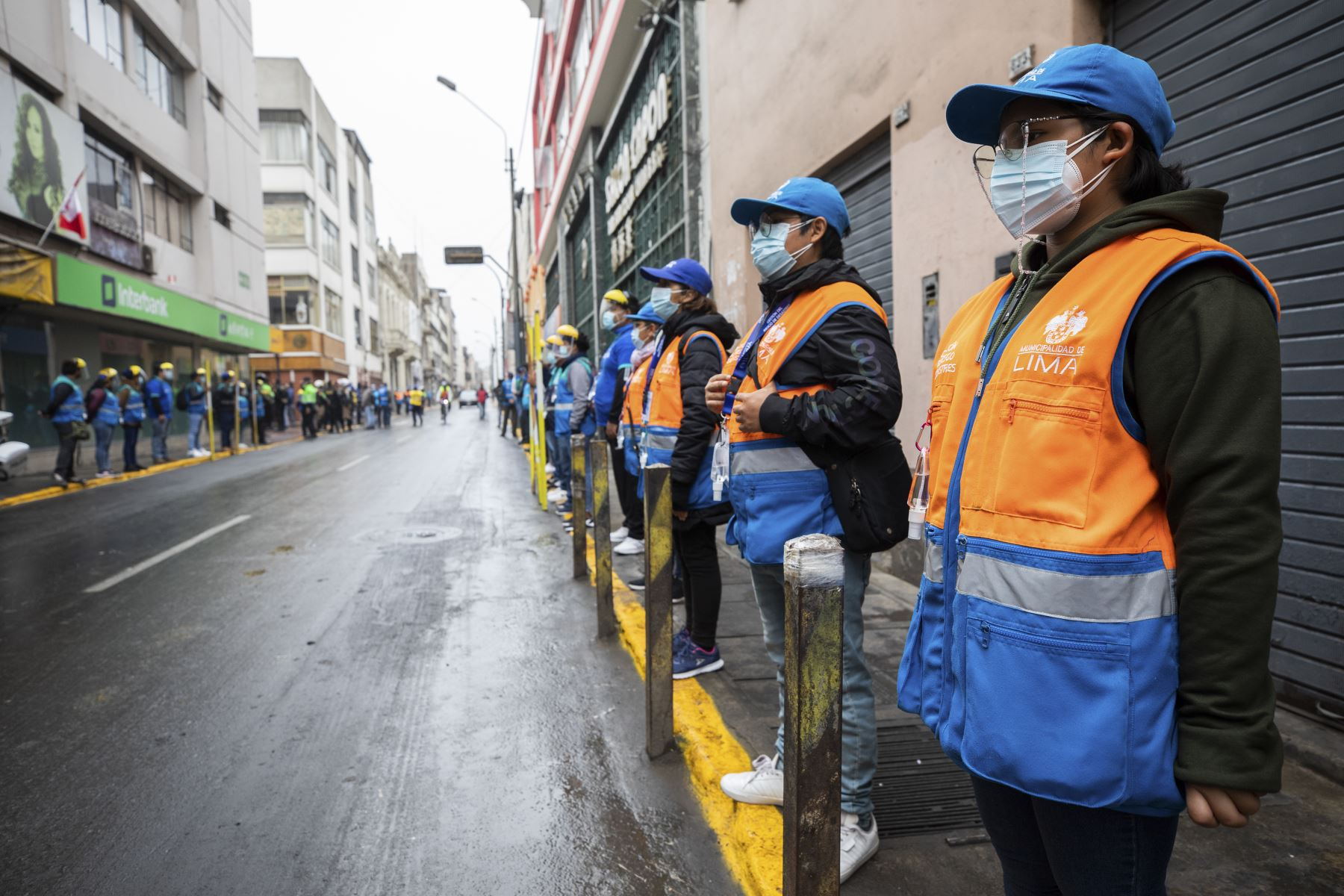 The Municipality of Lima and the National Police this morning carried out a joint operation to recover public space in the Paruro shred, in Mesa Redonda.  Photo: ANDINA / Municipality of Lima