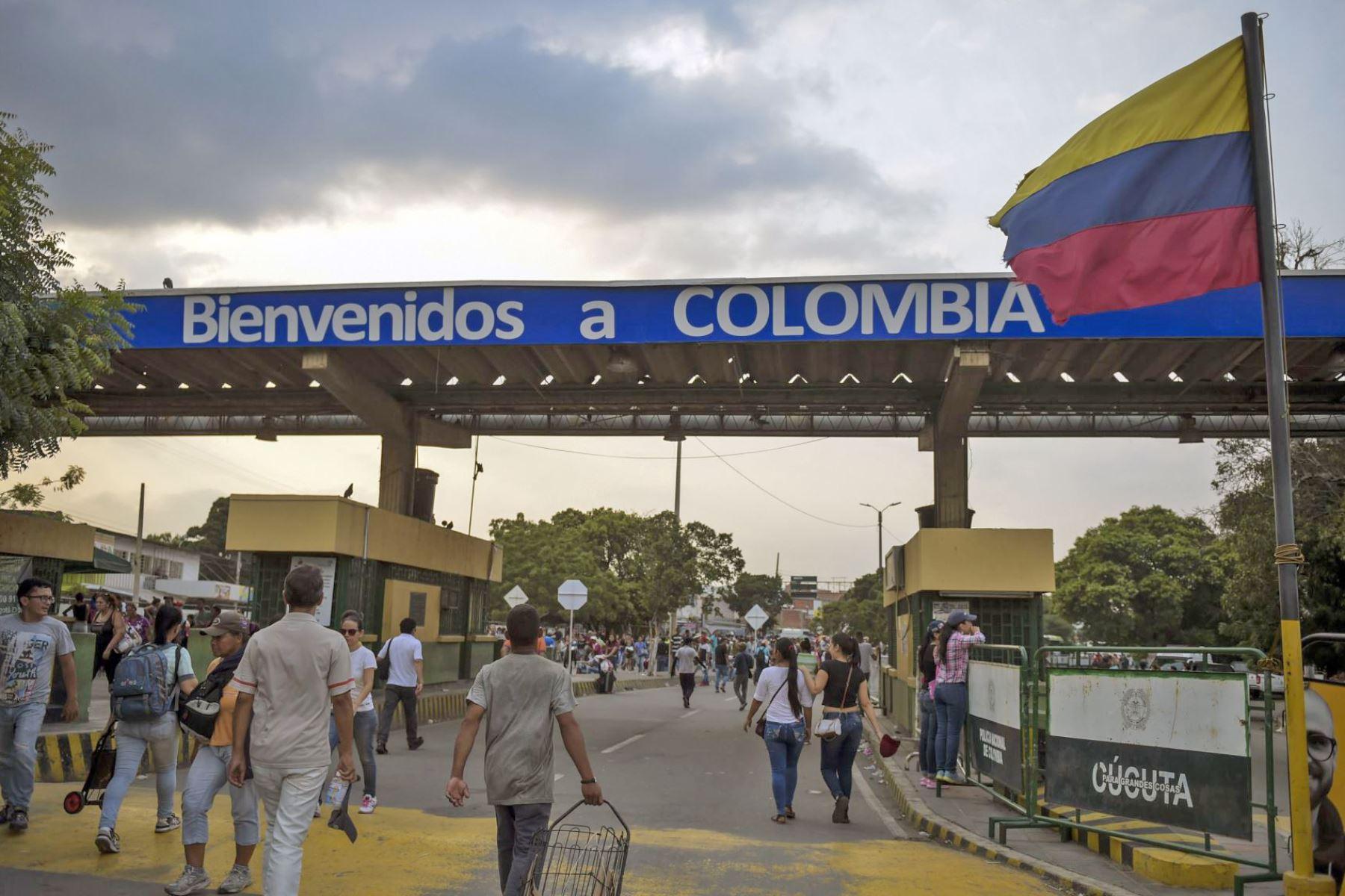 Venezuela abrirá este martes su frontera con Colombia, cerrada desde 2015