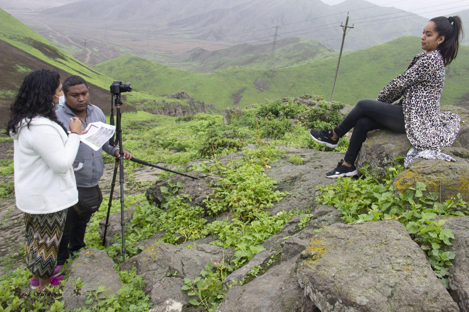 Adolescentes y jóvenes peruanas dan su visión del Bicentenario en cortometrajes