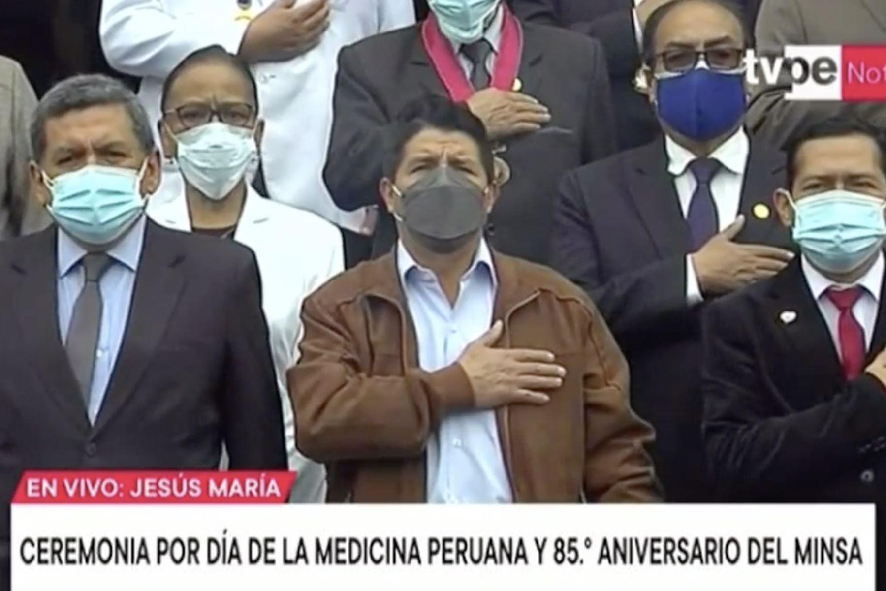 Presidente Castillo participa en ceremonia por el Día de la Medicina Peruana