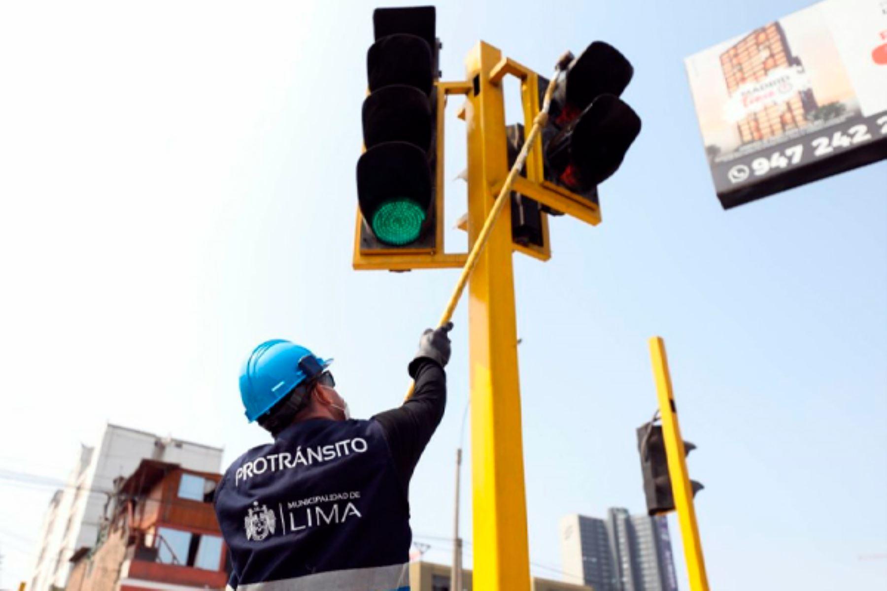 La Municipalidad de Lima reparó 285 semáforos durante septiembre