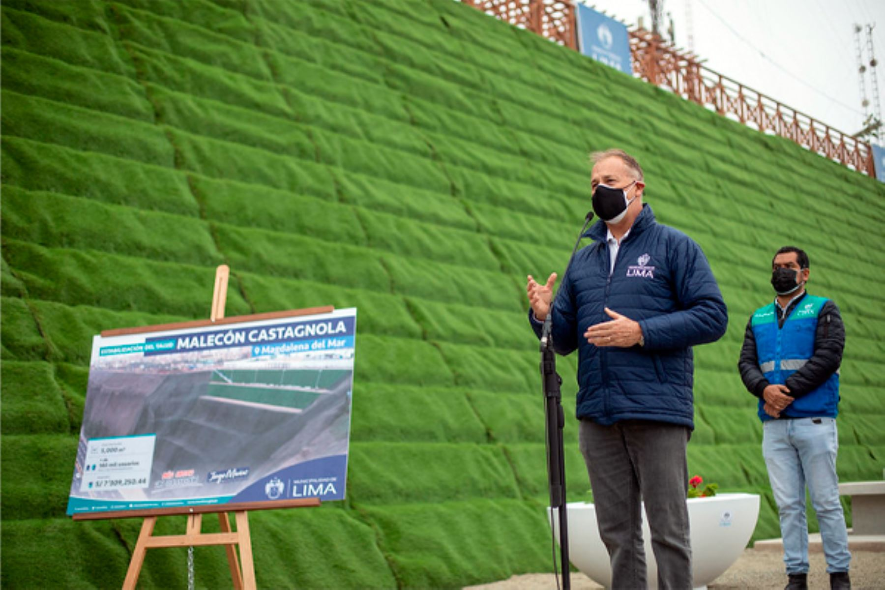 Alcalde de Lima entregó nuevo malecón Castagnola en Magdalena del Mar