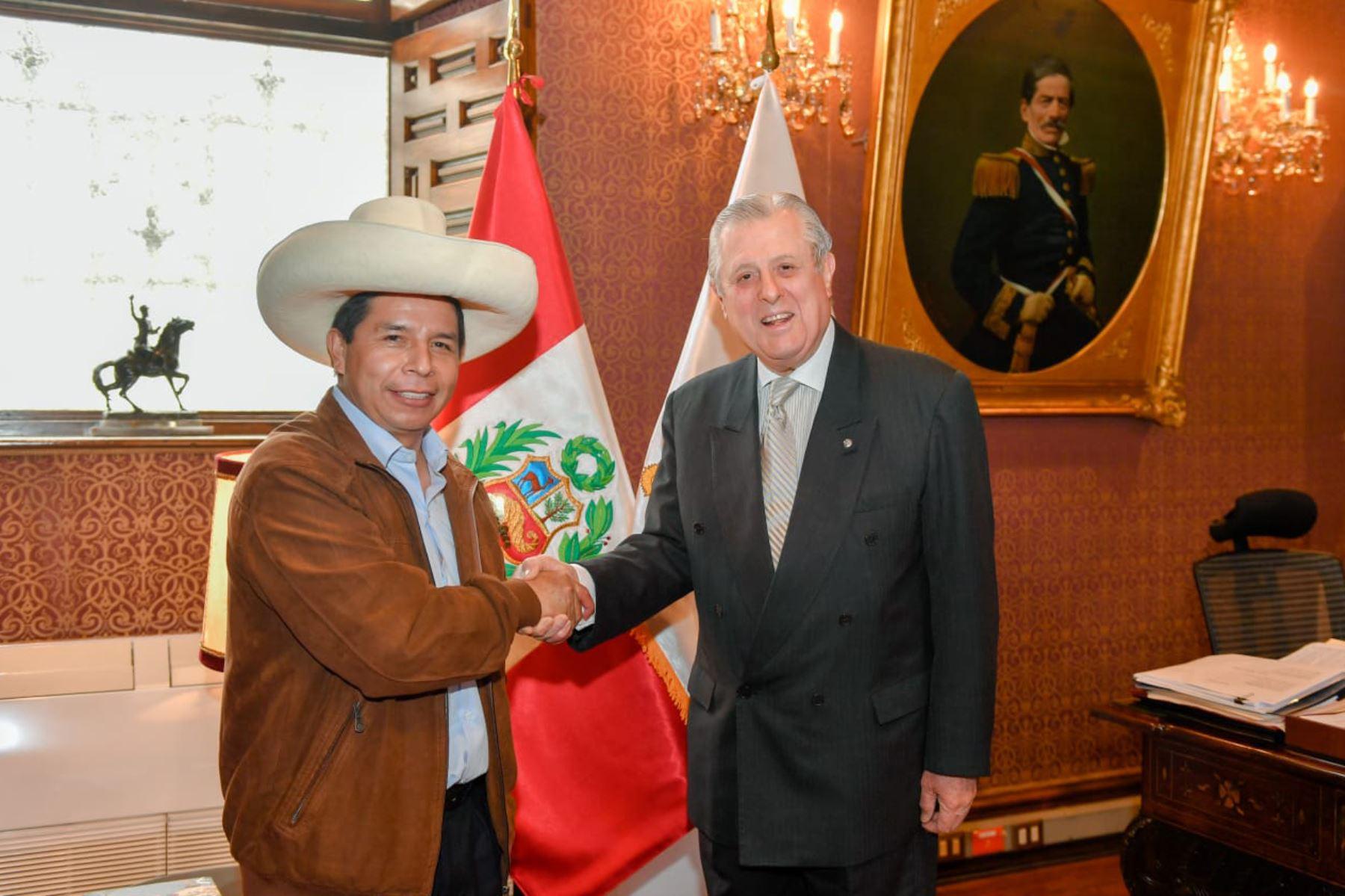 Presidente Castillo sostuvo reunión con Canciller Óscar Maúrtua