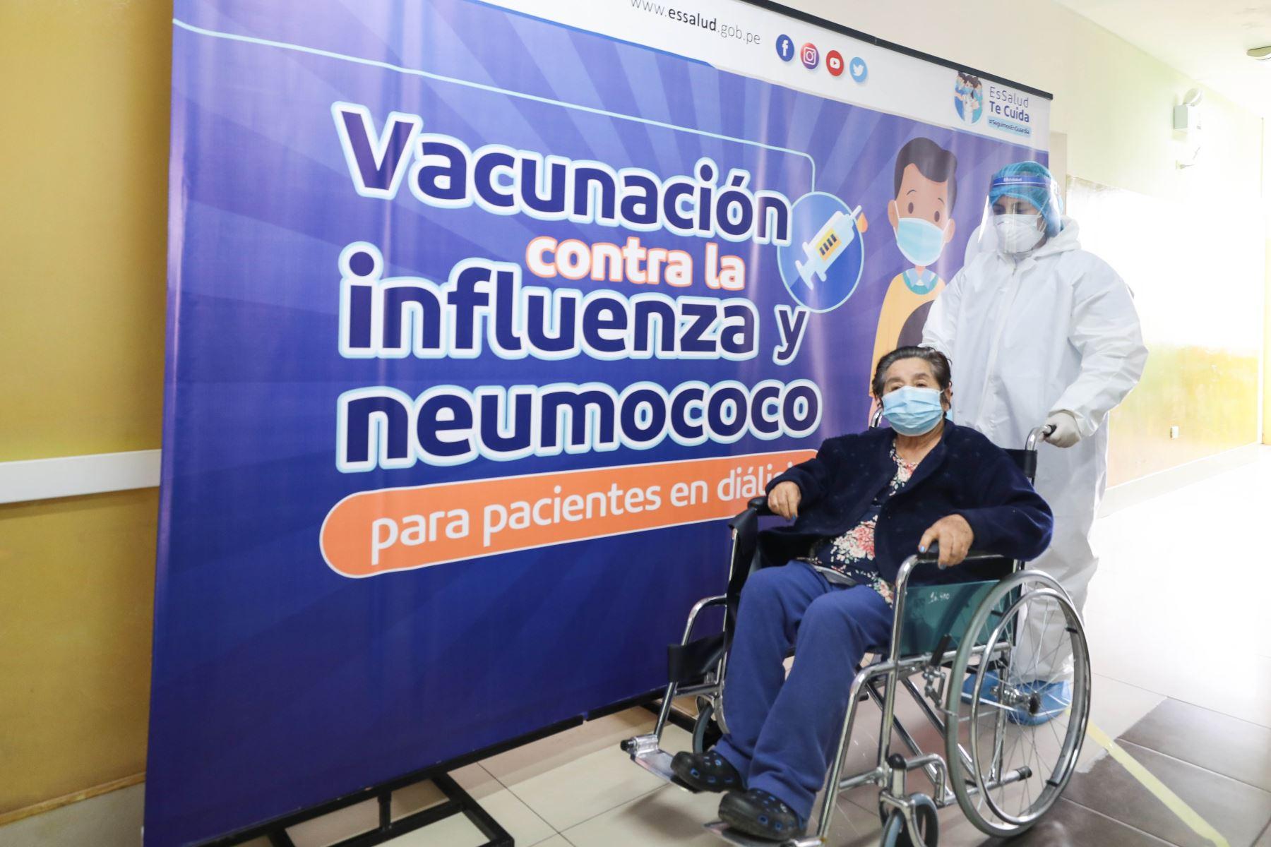 Vacunarán contra influenza y neumococo a 4 mil pacientes en diálisis de Lima y Callao