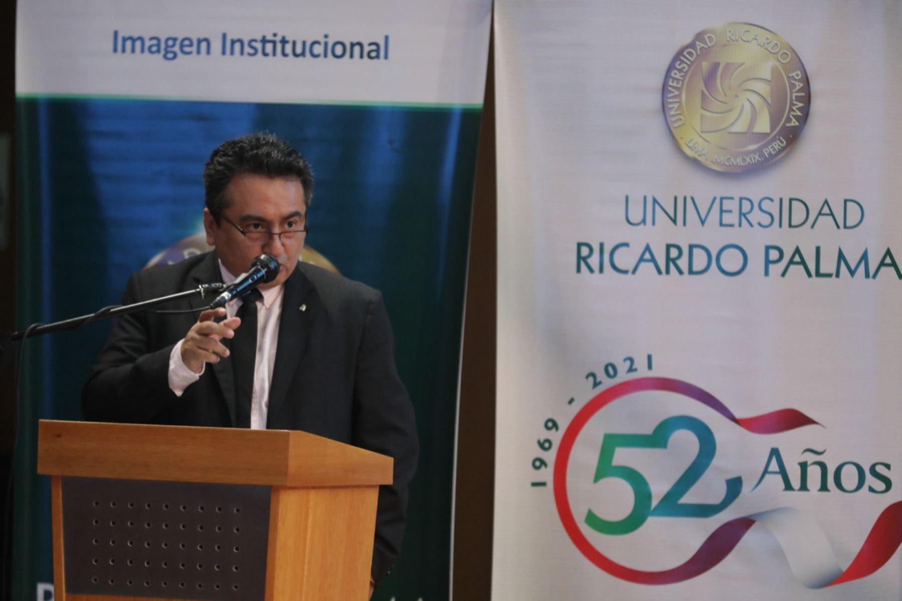 Director del diario El Peruano participa en homenaje a la prensa nacional