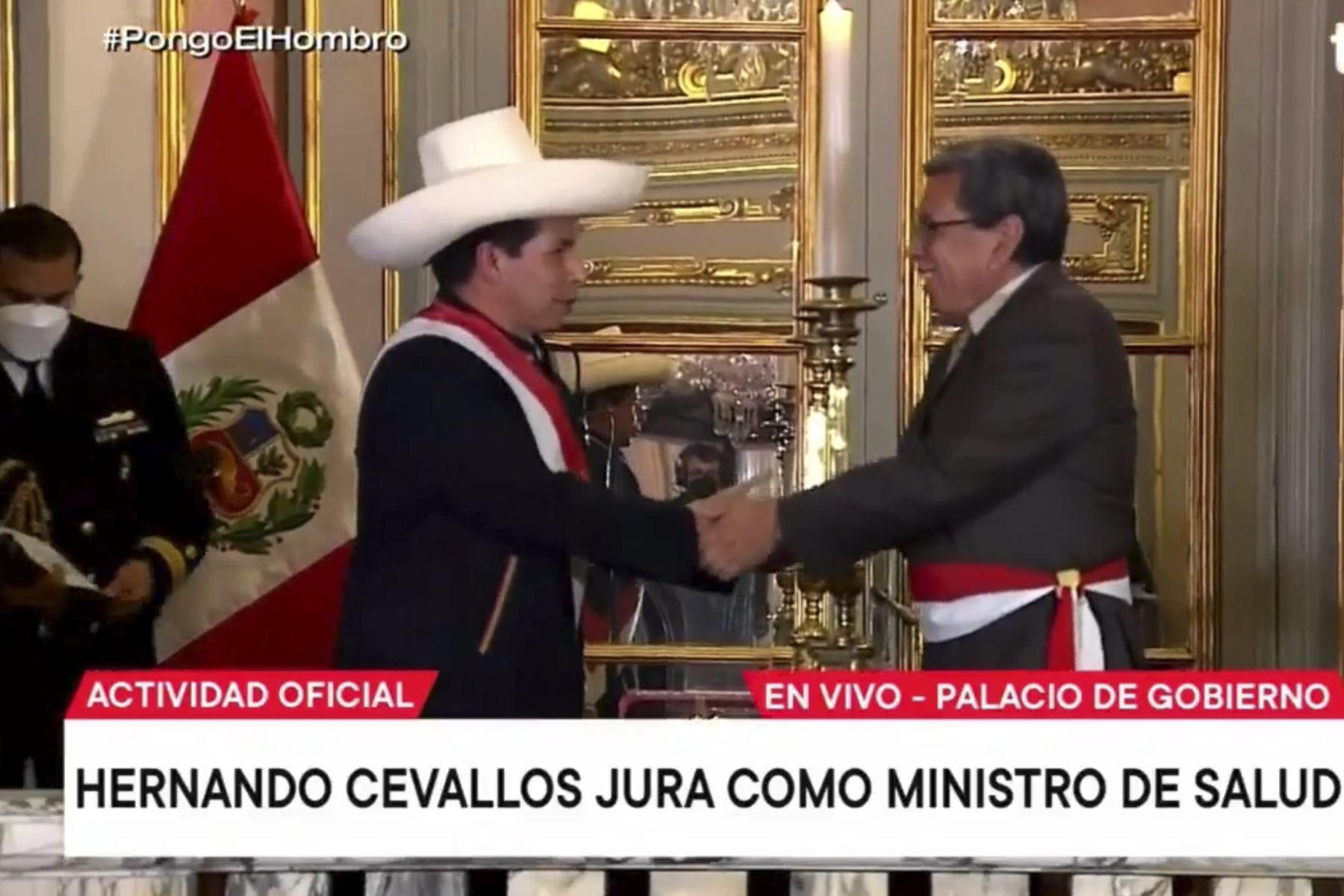 Hernando Cevallos jura como ministro de Salud