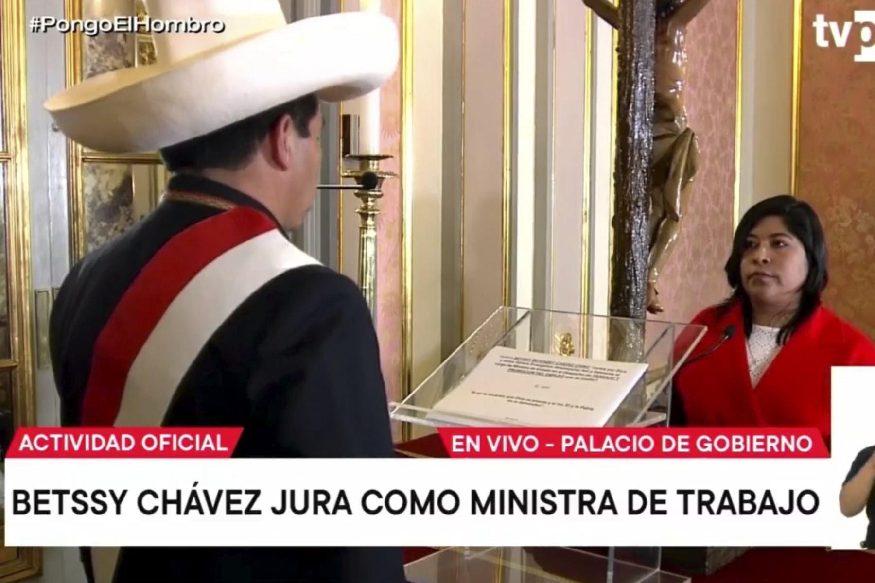 Betssy Chávez jura como ministra de Trabajo y Promoción del Empleo