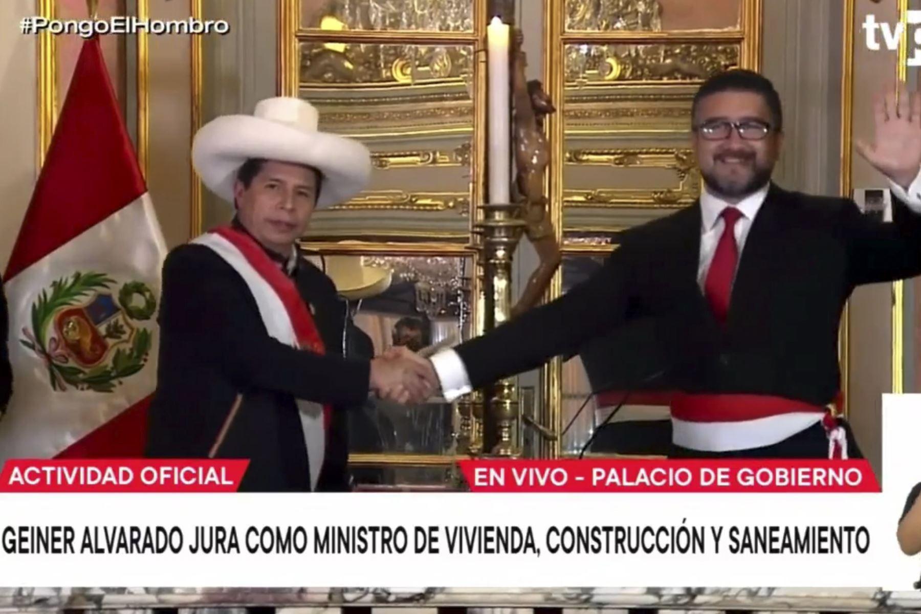 Geiner Alvarado jura como ministro de Vivienda, Construcción y Saneamiento