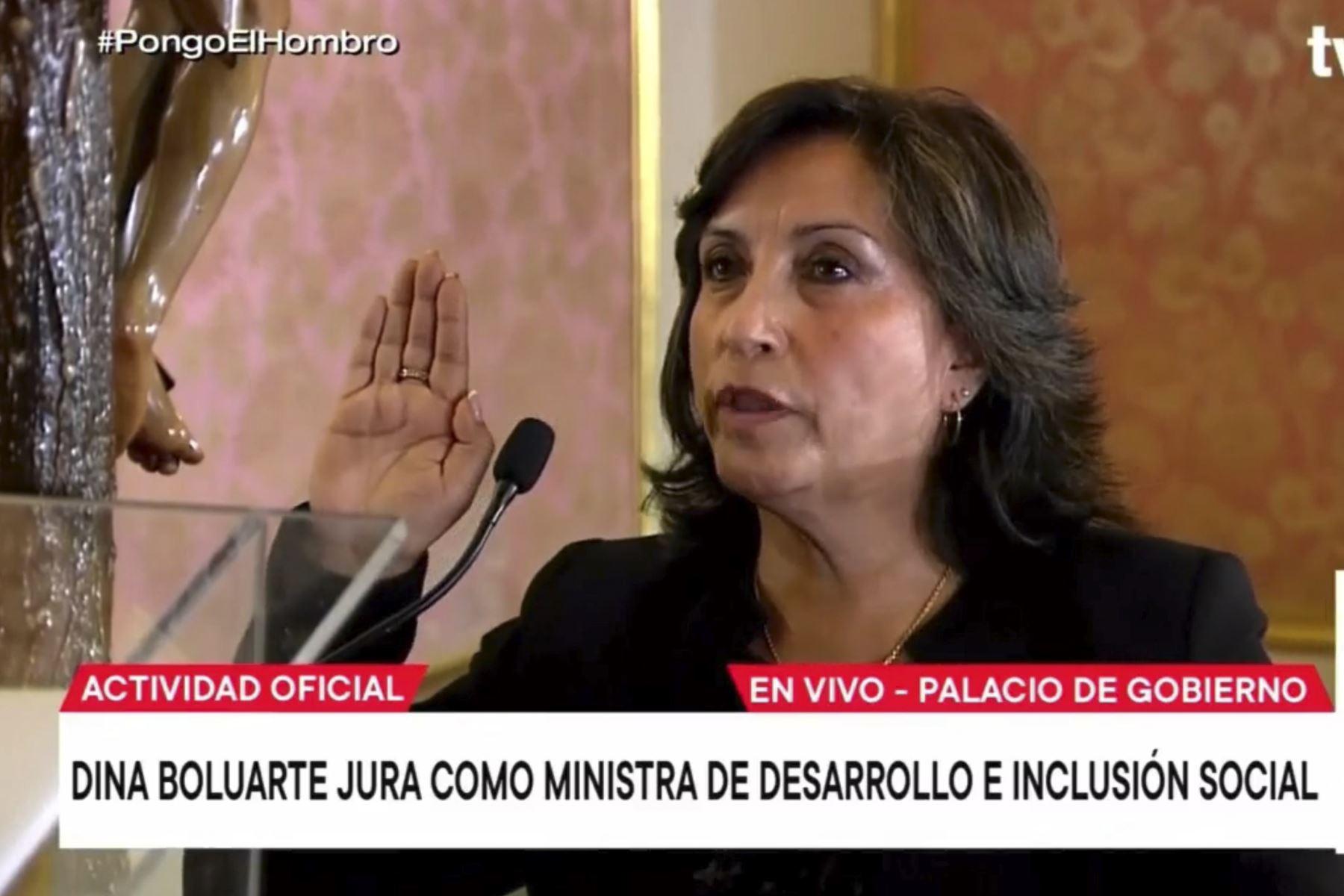 Dina Boluarte es ratificada en el Ministerio de Desarrollo e Inclusión Social