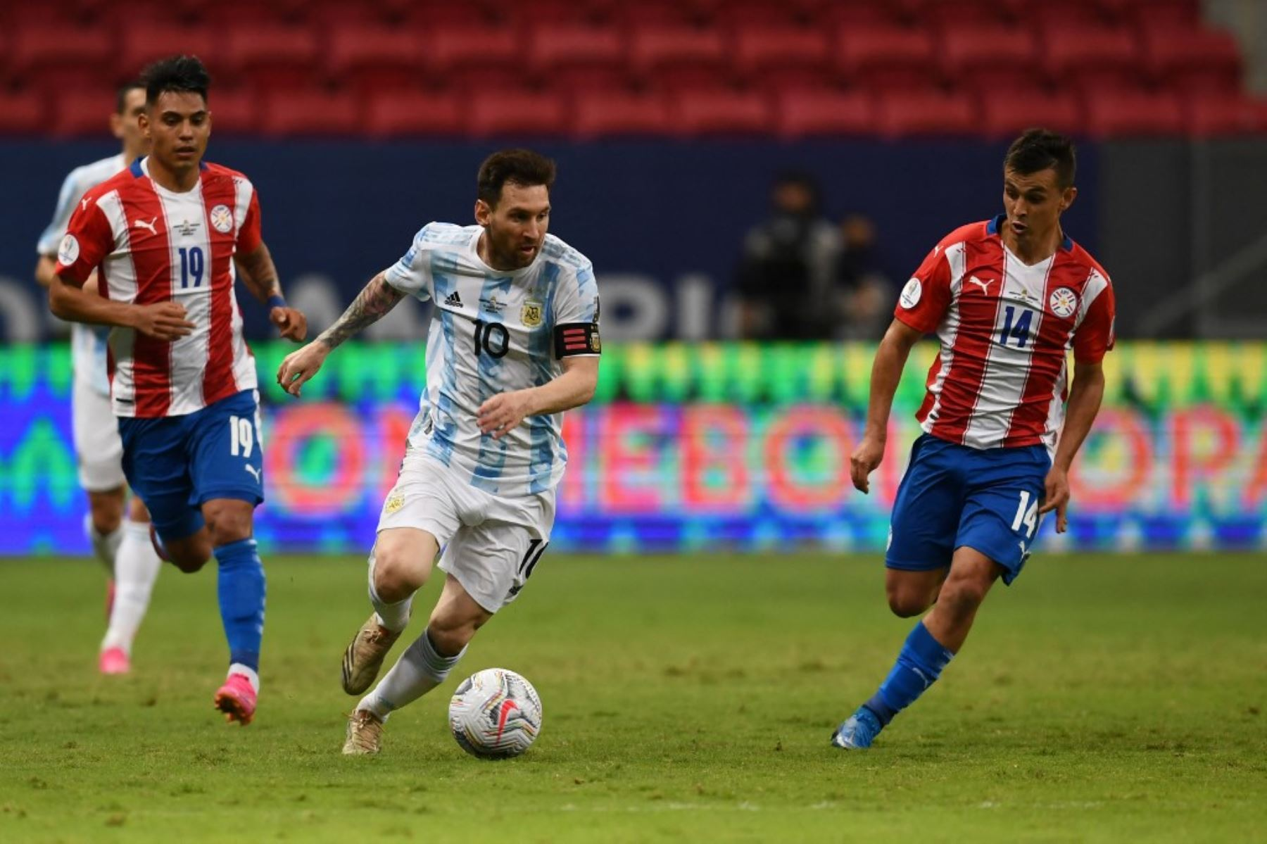 Paraguay recibe a Argentina de Messi con la urgencia de los tres puntos