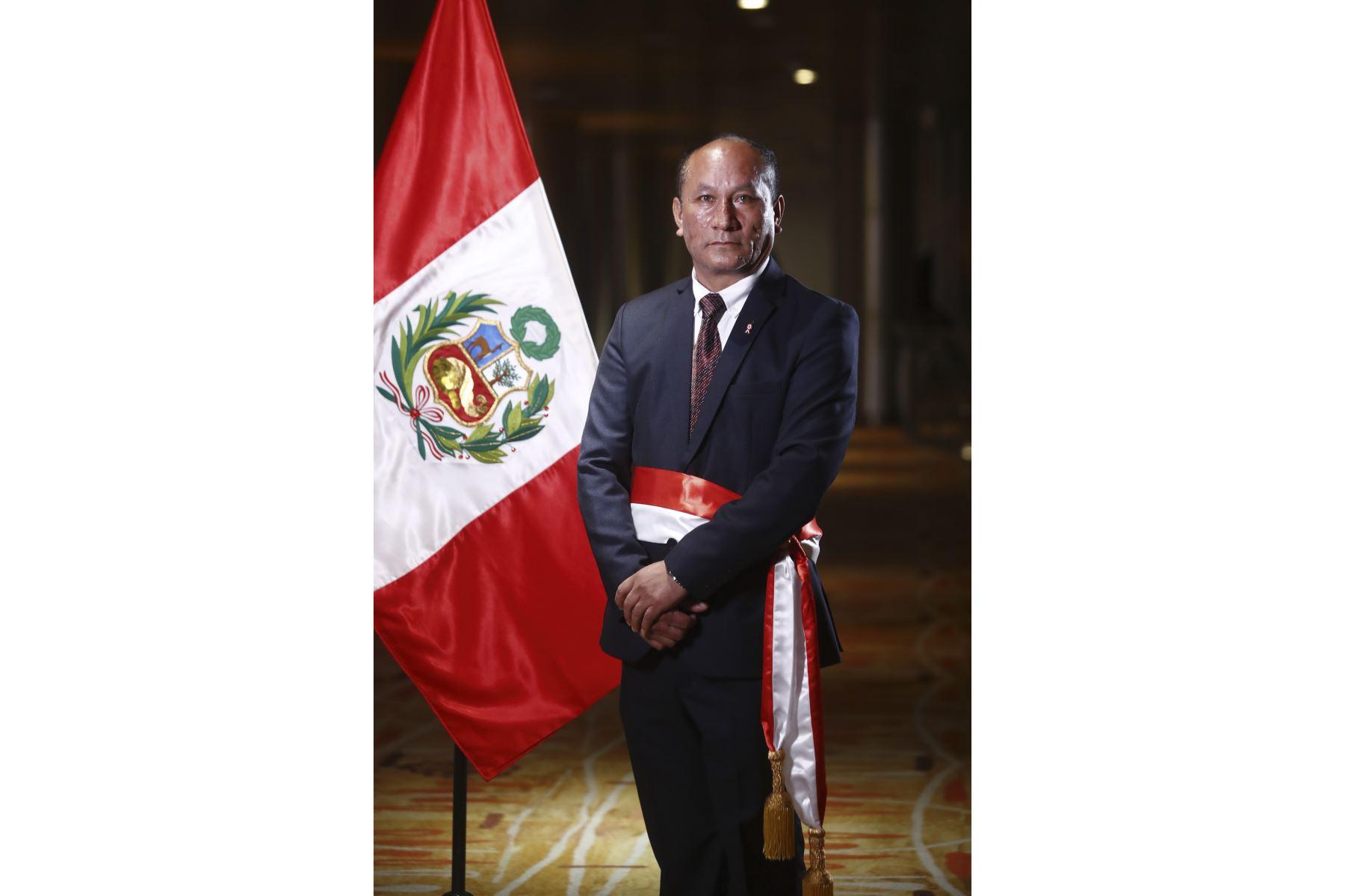 Juan Silva: conoce el perfil del ratificado titular del MTC