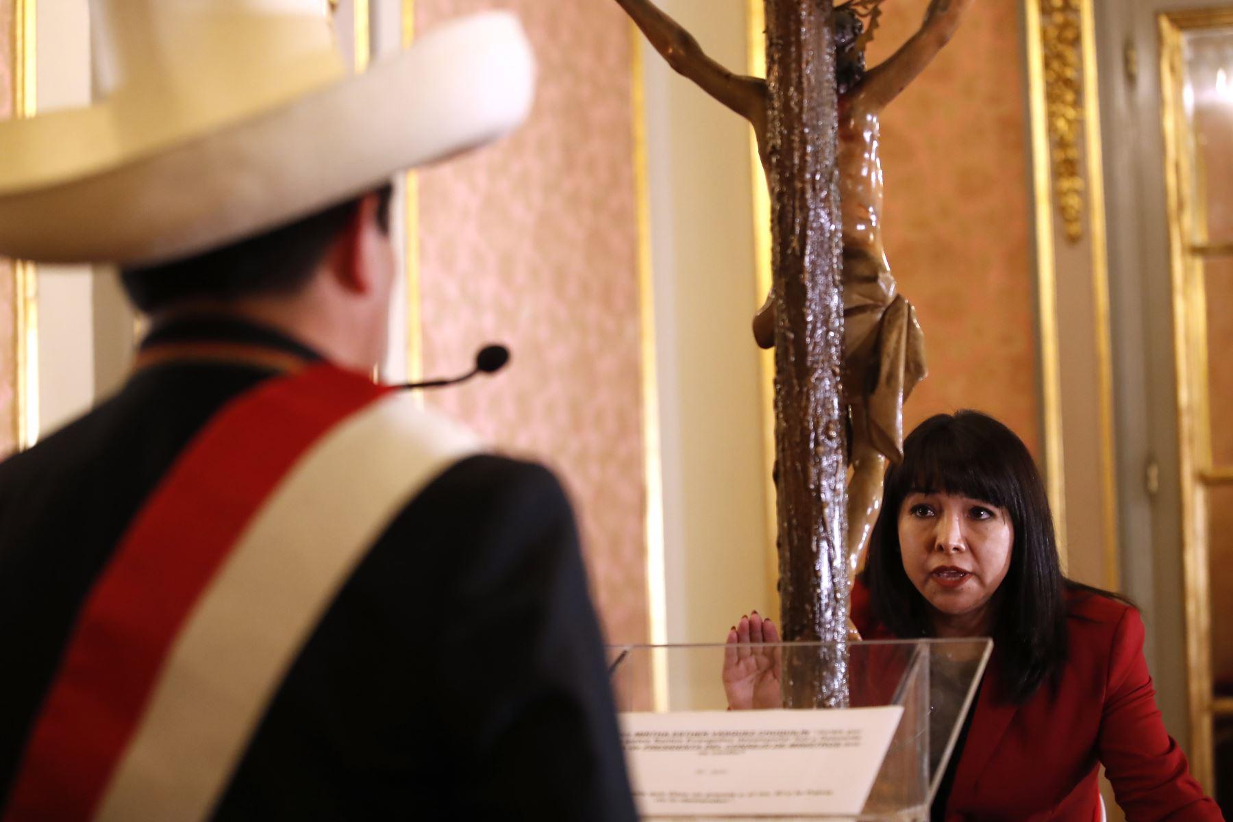 Bancadas y líderes políticos saludan designación de Mirtha Vásquez en la PCM