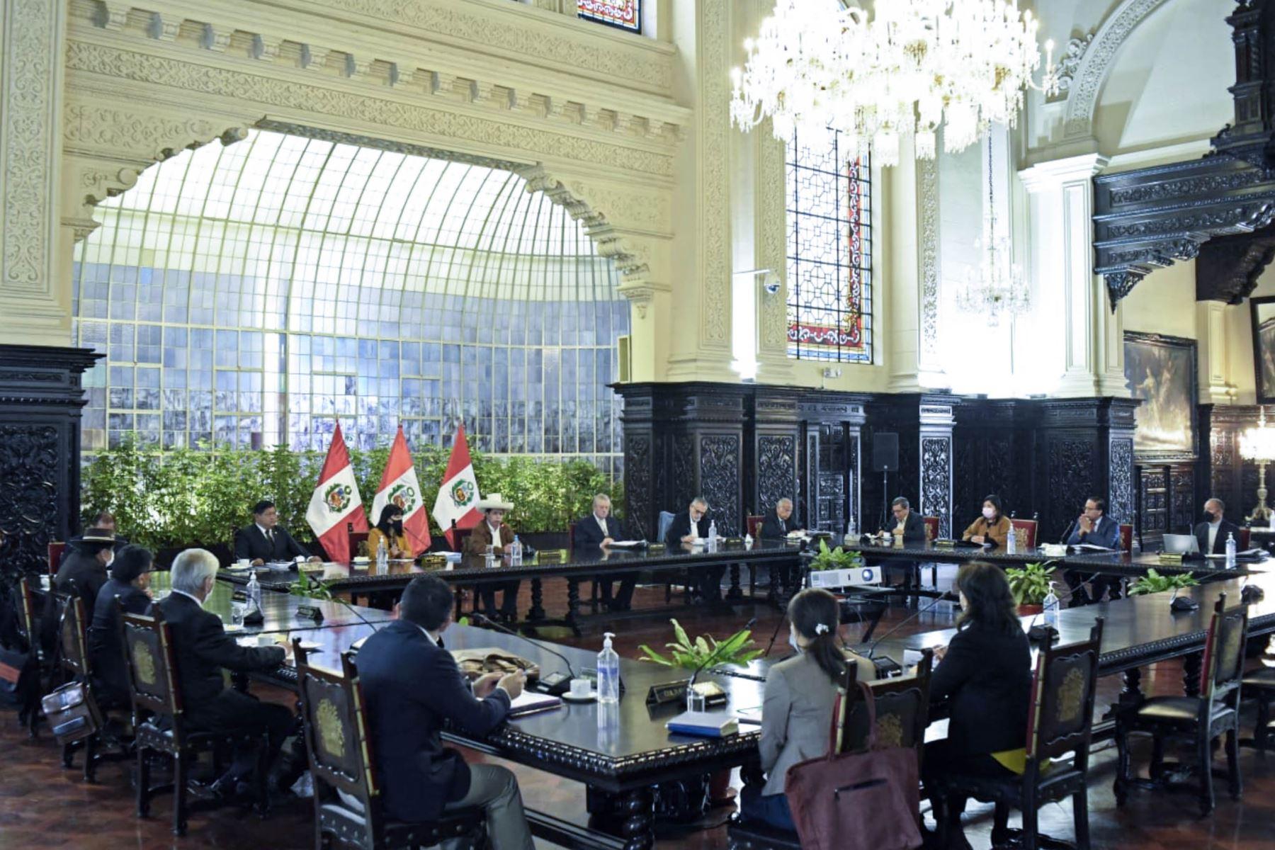 Presidente Castillo sostuvo reunión de coordinación con Gabinete Vásquez
