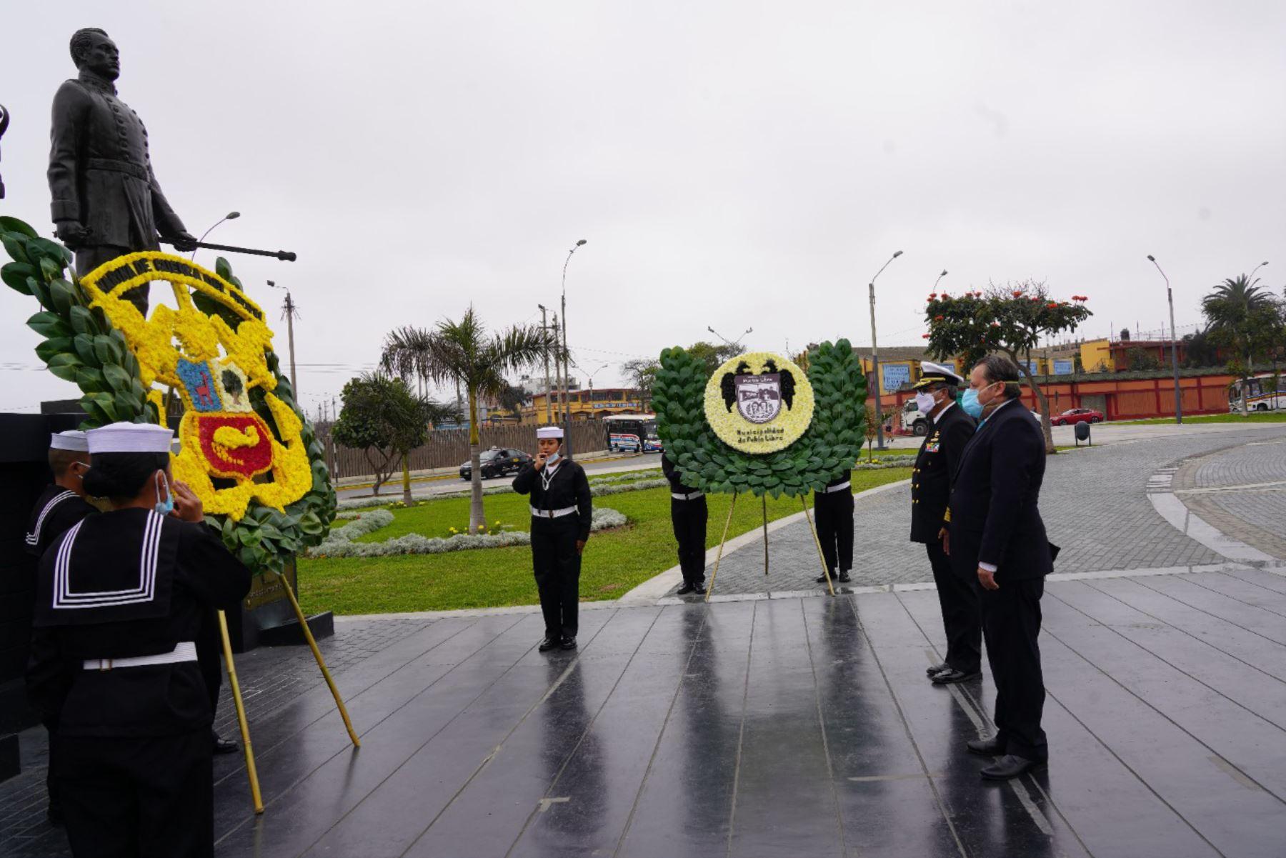 Rinden homenaje a Miguel Grau en Plaza de la Bandera de Pueblo Libre