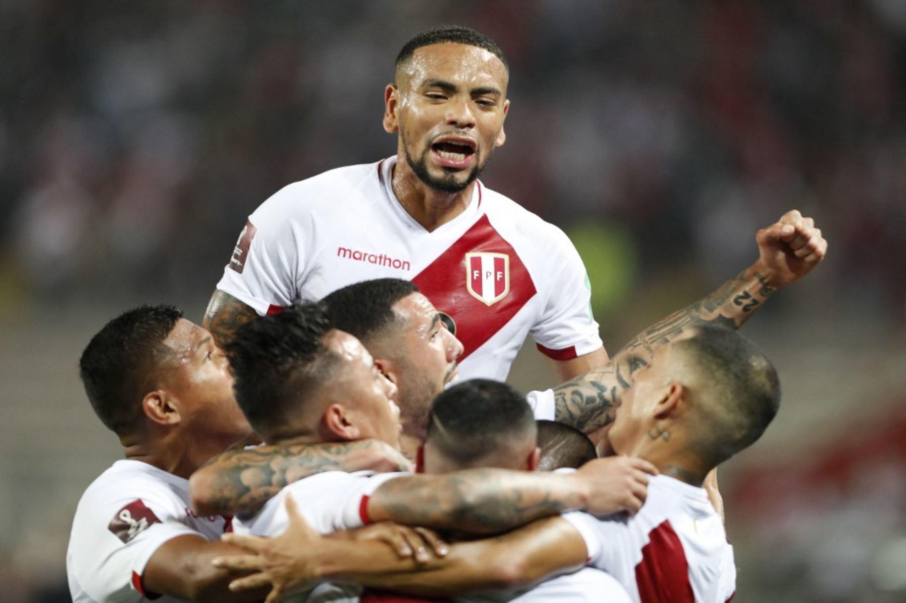 Perú celebra y sueña con clasificar tras vencer a Chile en el Clásico del Pacífico