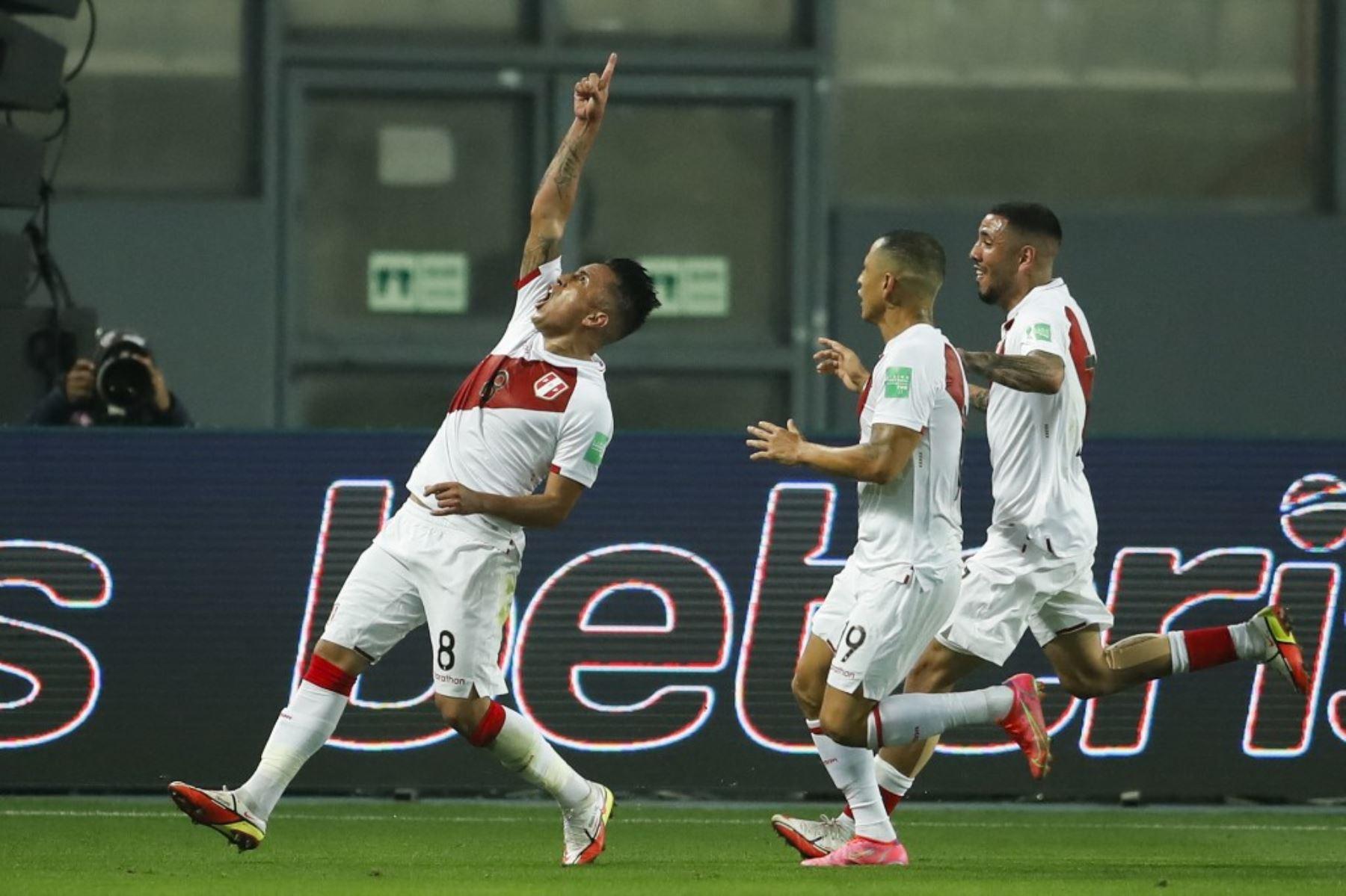 Perú gana a Chile por 1 a 0 con un golazo de Christian Cueva al final del primer tiempo