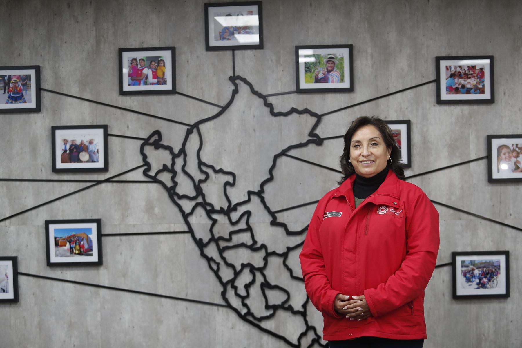 Dina Boluarte: confío en que diálogo con bancadas ayude a preservar balance de poderes