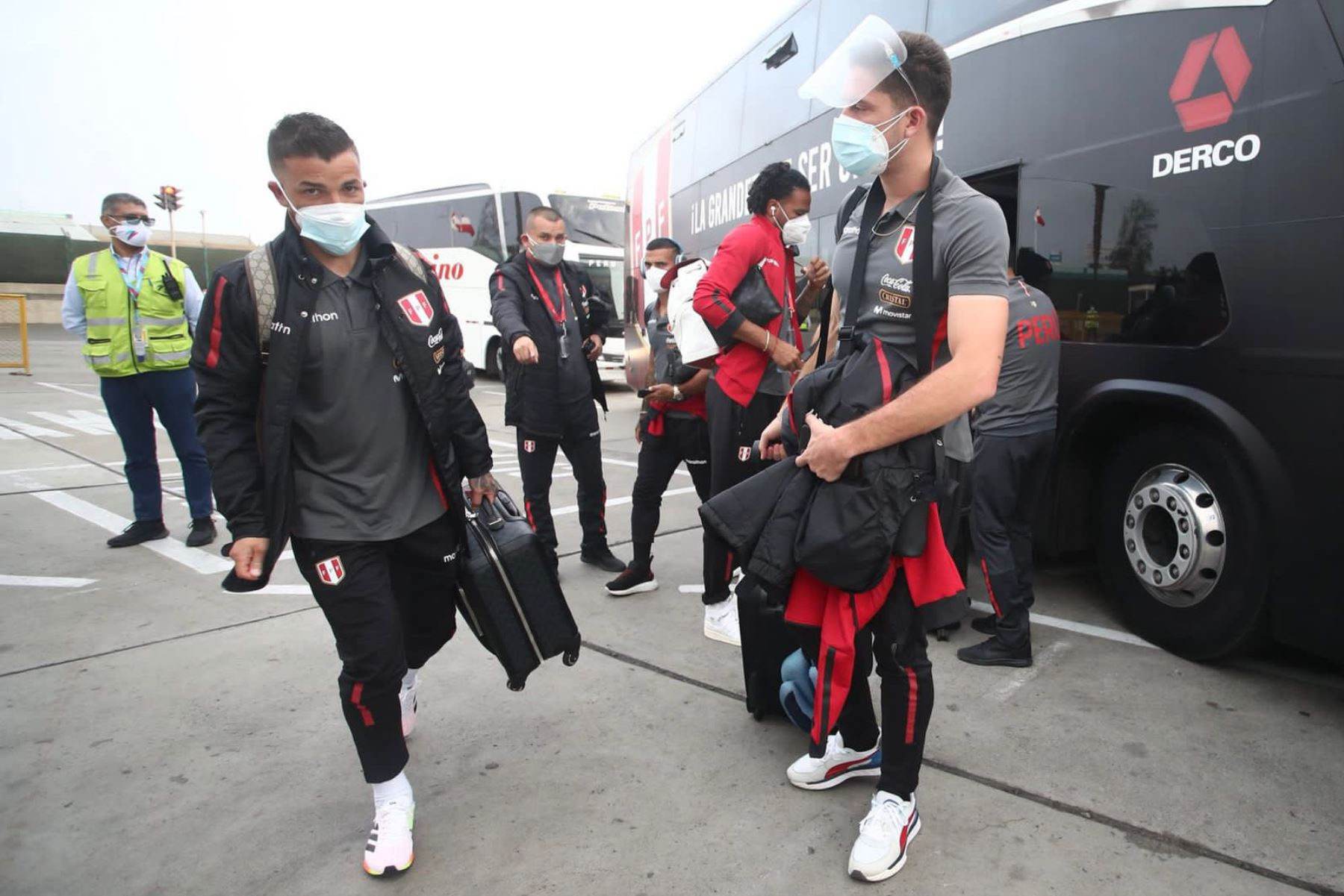 Selección peruana: Afición le dio una calurosa bienvenida a su llegada a La Paz