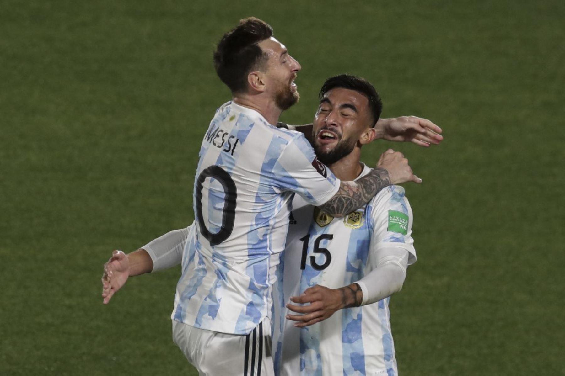 Argentina golea a Uruguay 3-0 y da un paso al Mundial de Catar-2022