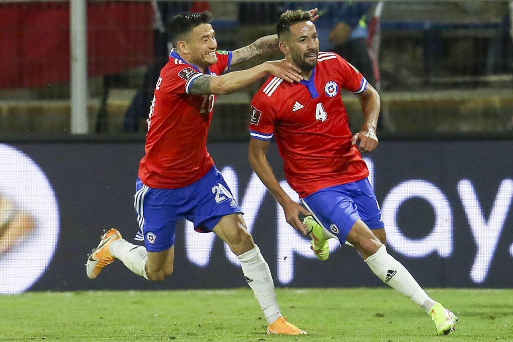 Chile le gana 2-0 a Paraguay y toma oxígeno en las eliminatorias