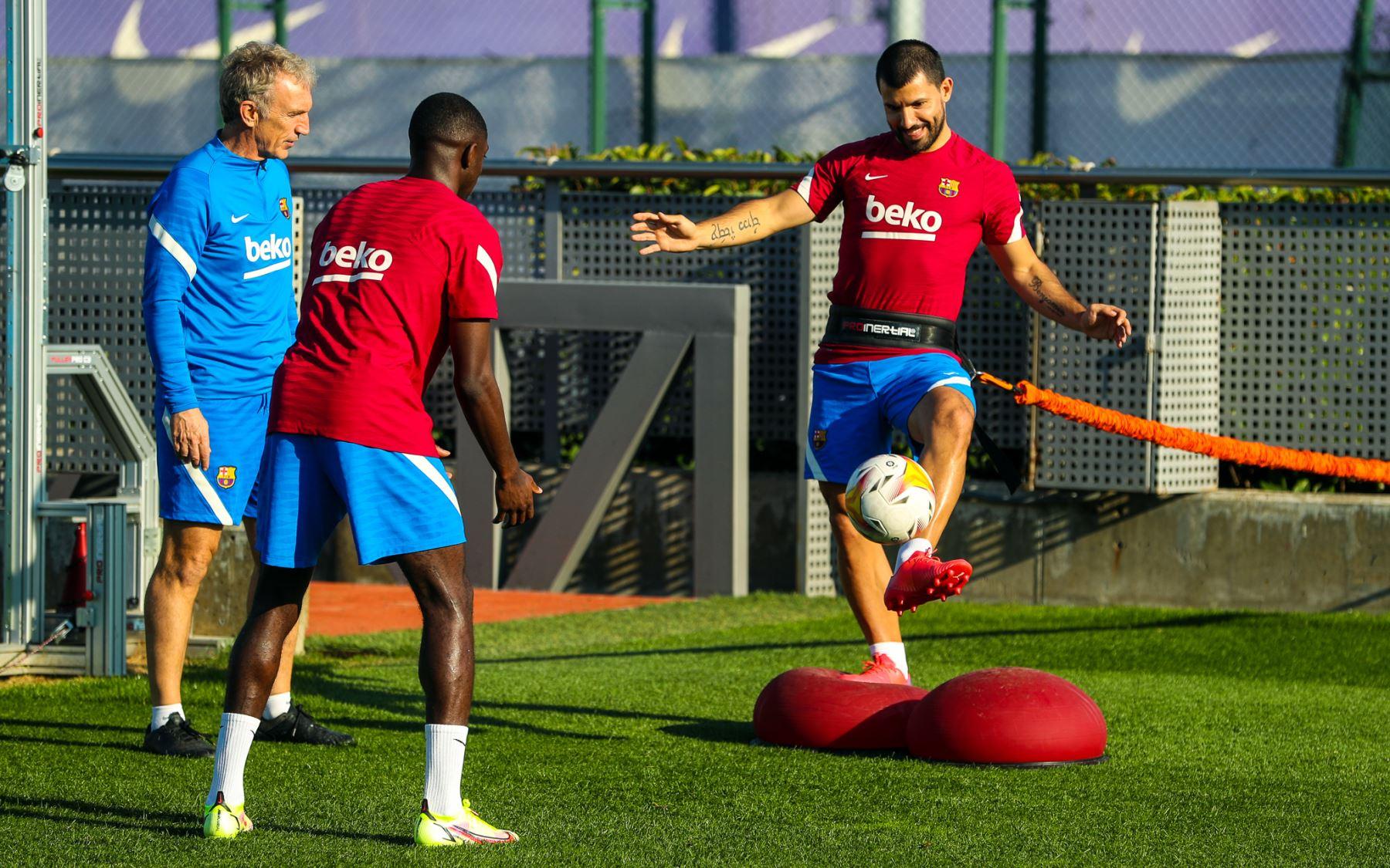 Barcelona: Agüero y Dembélé vuelven a entrenar con el equipo