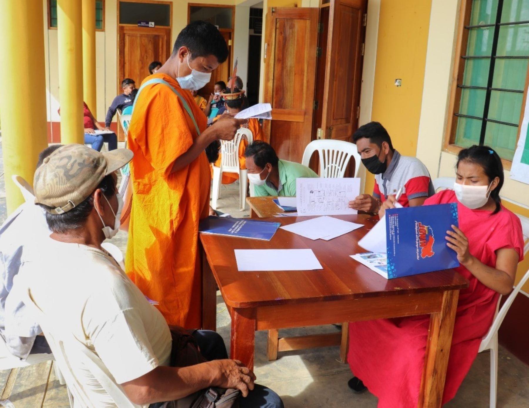 Junín: indígenas asháninkas aprenden sobre el tratamiento y cloración del agua