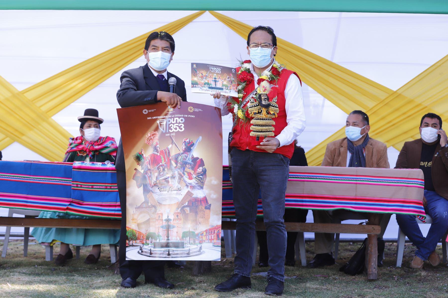 El ministro de Comercio Exterior y Turismo, Roberto Sanchez, entregó los diplomas de reconocimiento internacional