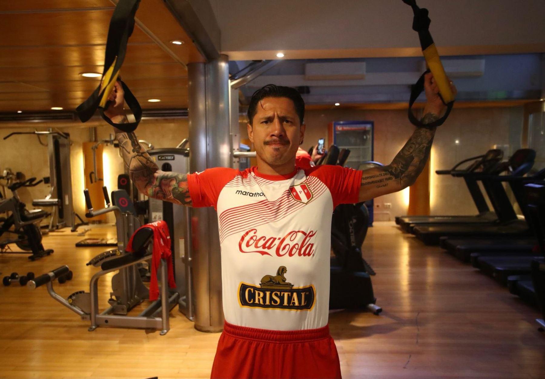 La selección peruana ya entrena en Buenos Aires
