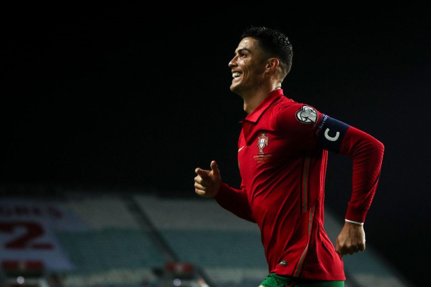 Con triplete de Cristiano Portugal golea a Luxemburgo, pero Serbia no falla