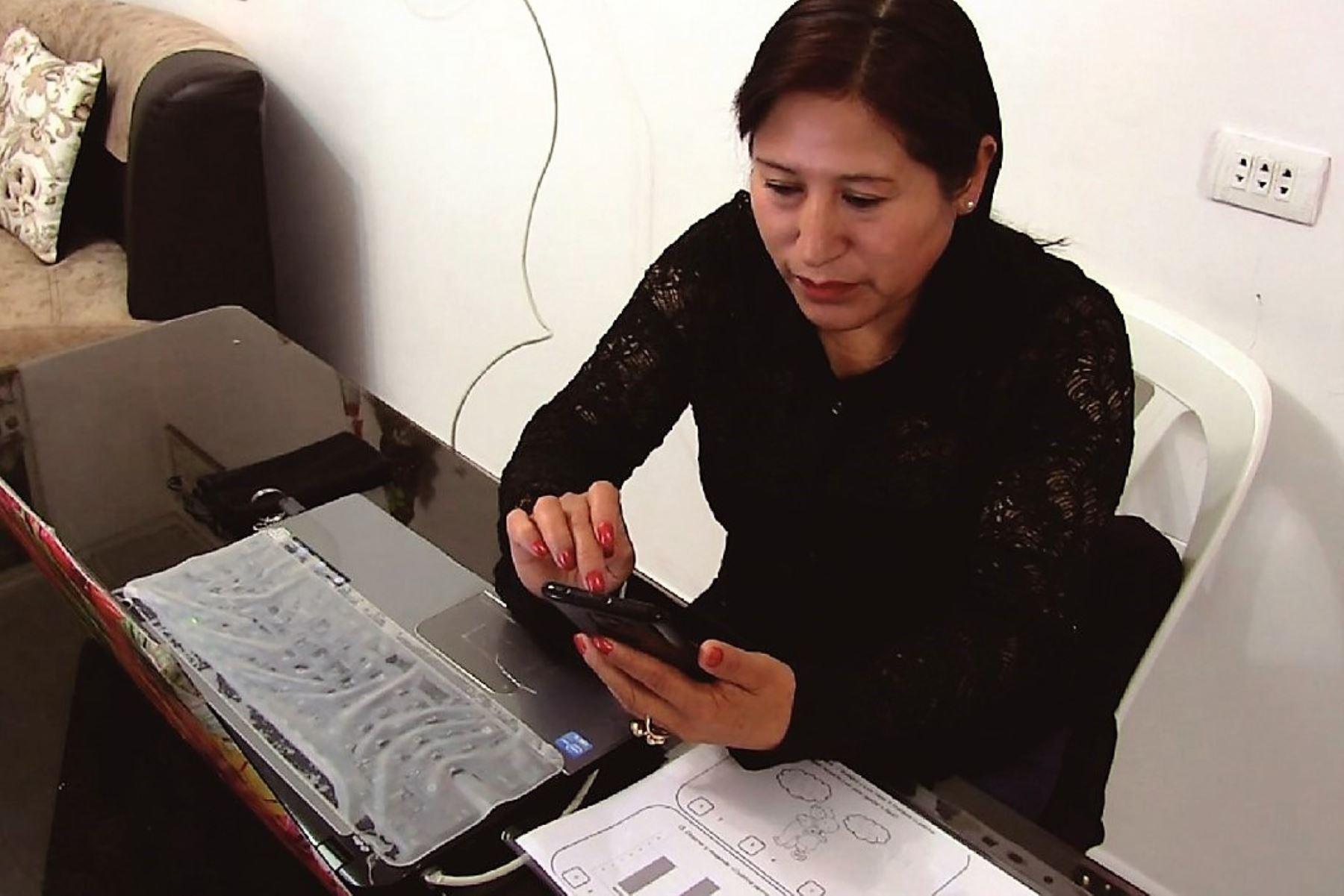 Cajamarca: capacitan y certifican a 11,700 profesores en competencias digitales