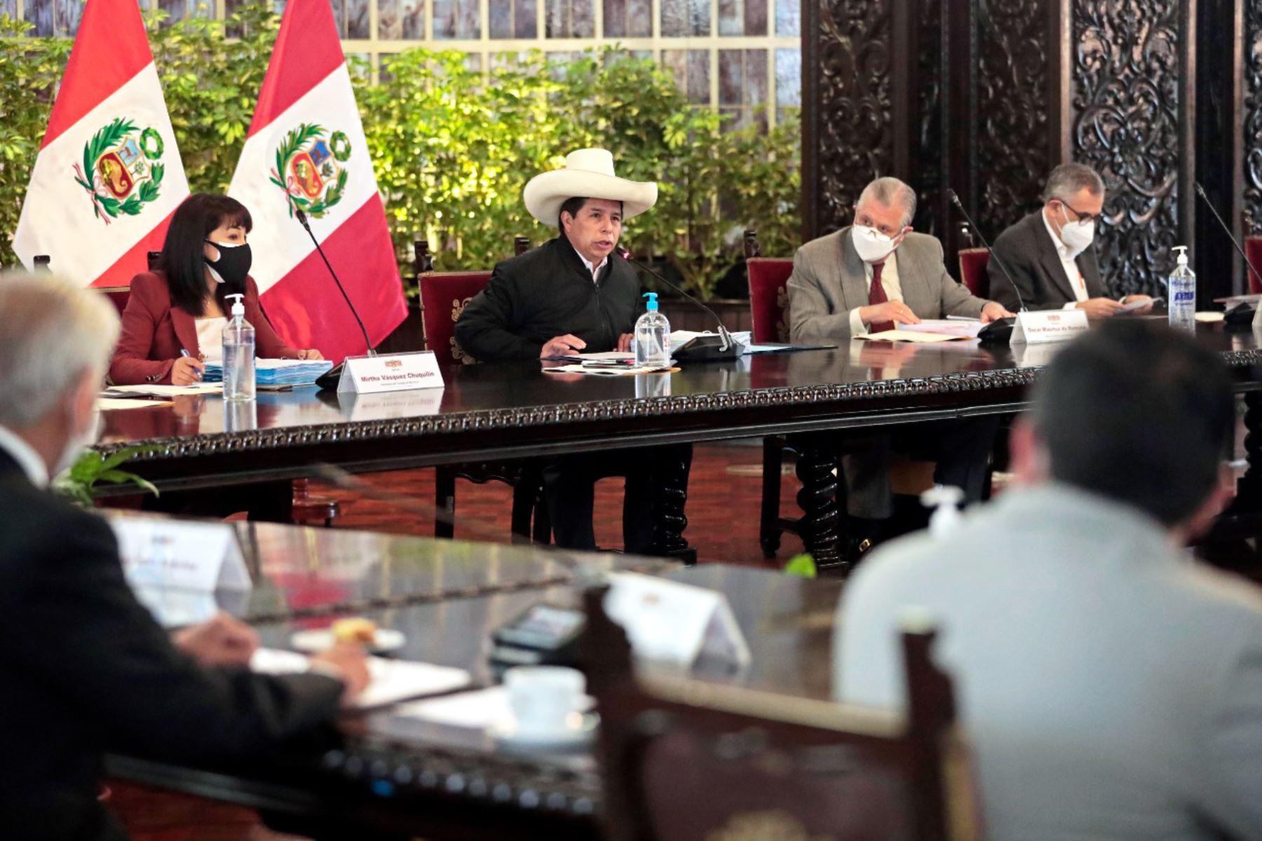 El presidente Pedro Castillo lidera una sesión del Consejo de Ministros en Palacio de Gobierno. Foto: ANDINA/ Prensa Presidencia