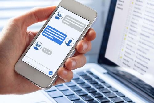 El 40% de encuestados señaló que utilizó chatbots para solicitar información sobre un producto o servicio. Foto: Play Group.
