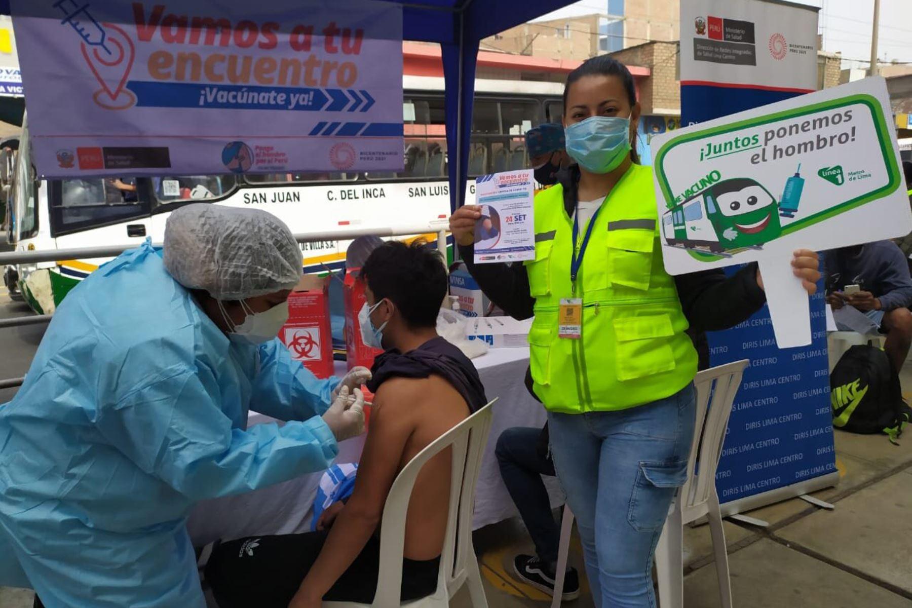Línea 1 y Minsa vacunarán con primeras y segundas dosis a vecinos y pasajeros en estaciones del sistema. Foto: ANDINA/Difusión.