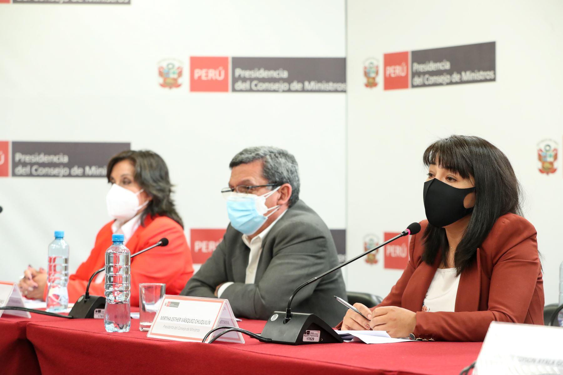 La jefa de Gabinete Ministerial, Mirtha Vásquez, junto a ministros de Estado, informaron a la ciudadanía sobre medidas adoptadas y acciones articuladas en el Consejo de Ministros para atender las necesidades urgentes de la población.