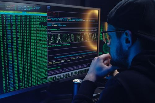 El phishing es un término originado en inglés (pesca) que en informática es un tipo de robo de identidad en línea. Esta acción fraudulenta se caracteriza por intentos de adquirir ilícitamente los datos personales de otra persona, ya sean contraseñas, datos financieros, datos bancarios, números de tarjetas de crédito o simplemente datos personales. Foto: Cortesía