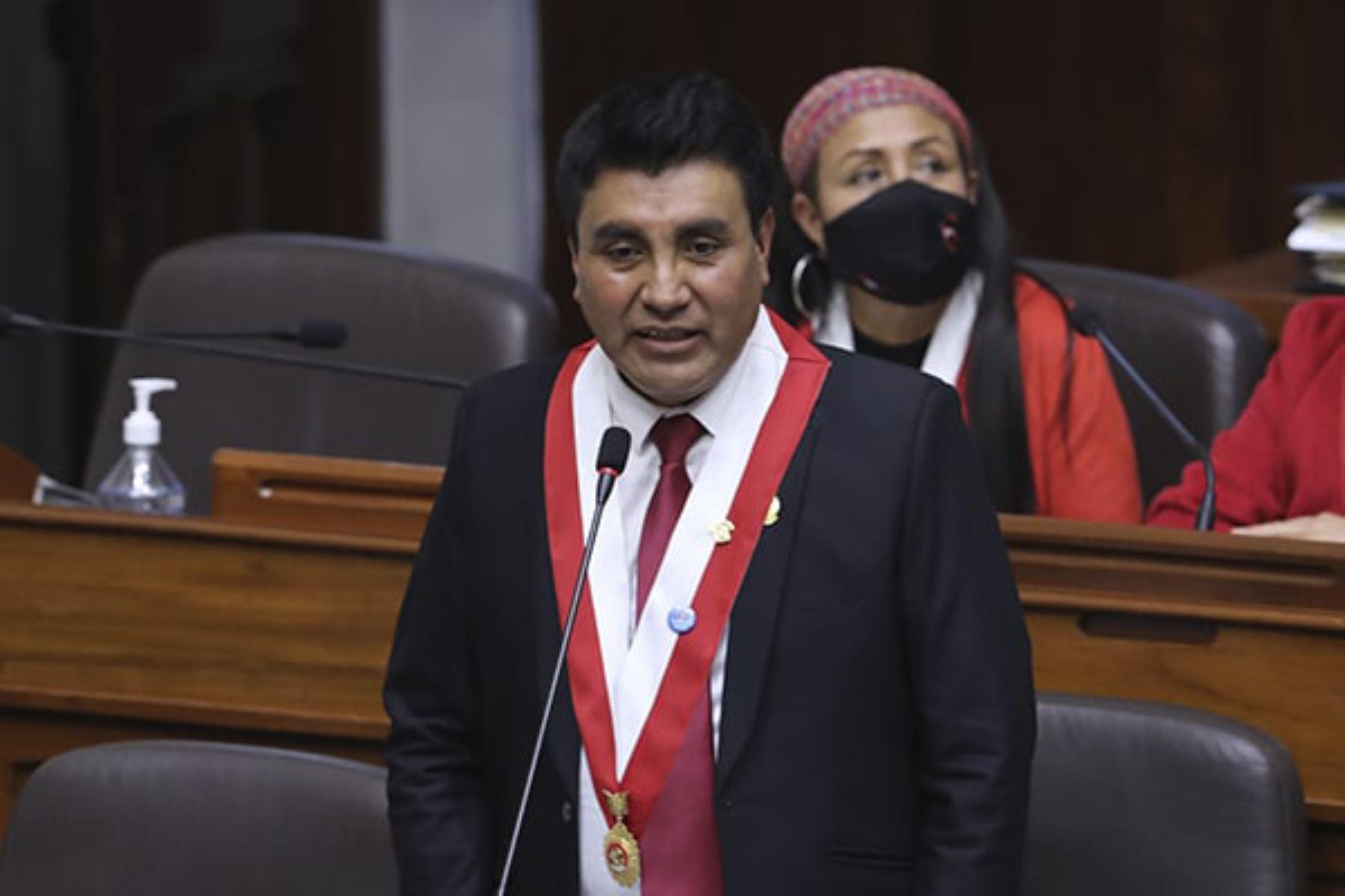 Congresistas Zea y Ugarte de Perú Libre reafirman respaldo al gobierno
