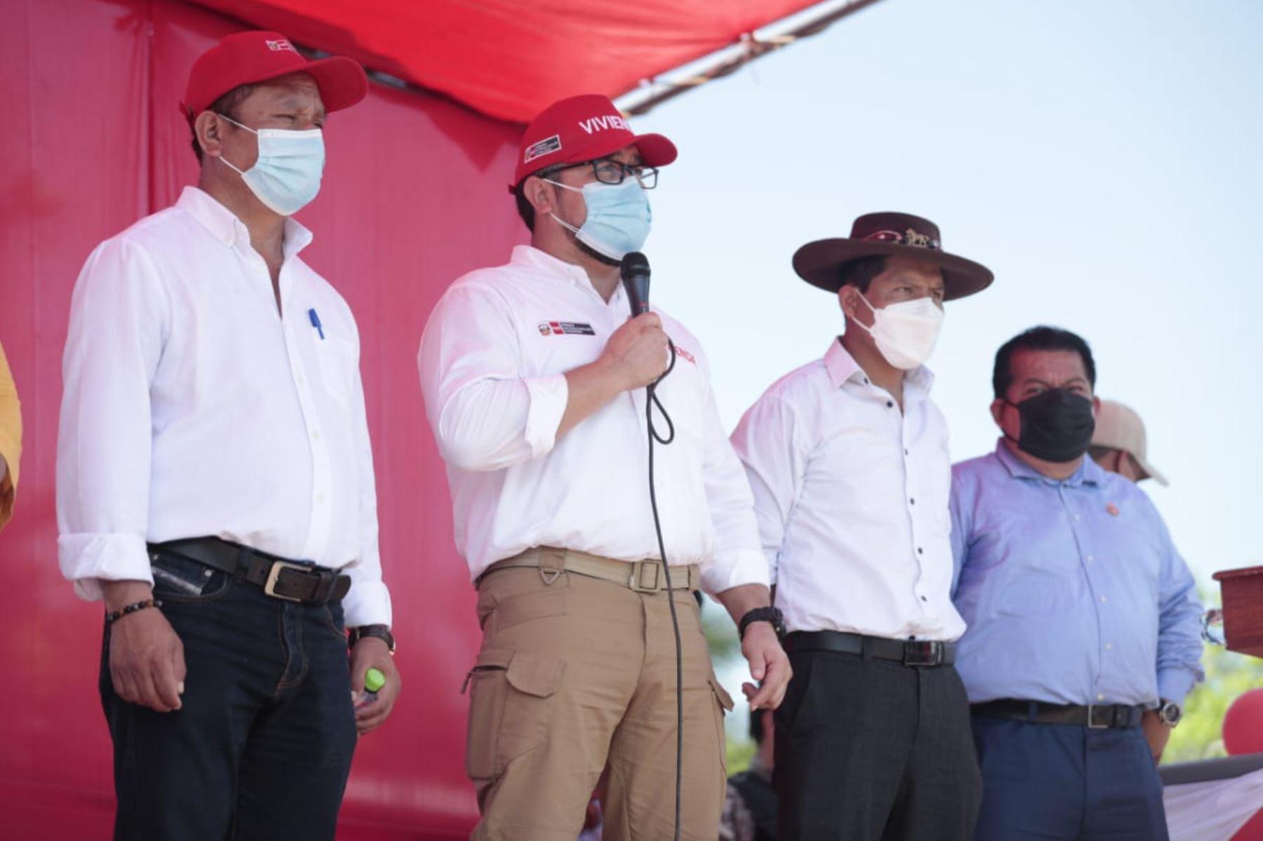 Ministro de Vivienda, Construcción y Saneamiento, Geiner Alvarado.Foto:  ANDINA/Difusión.