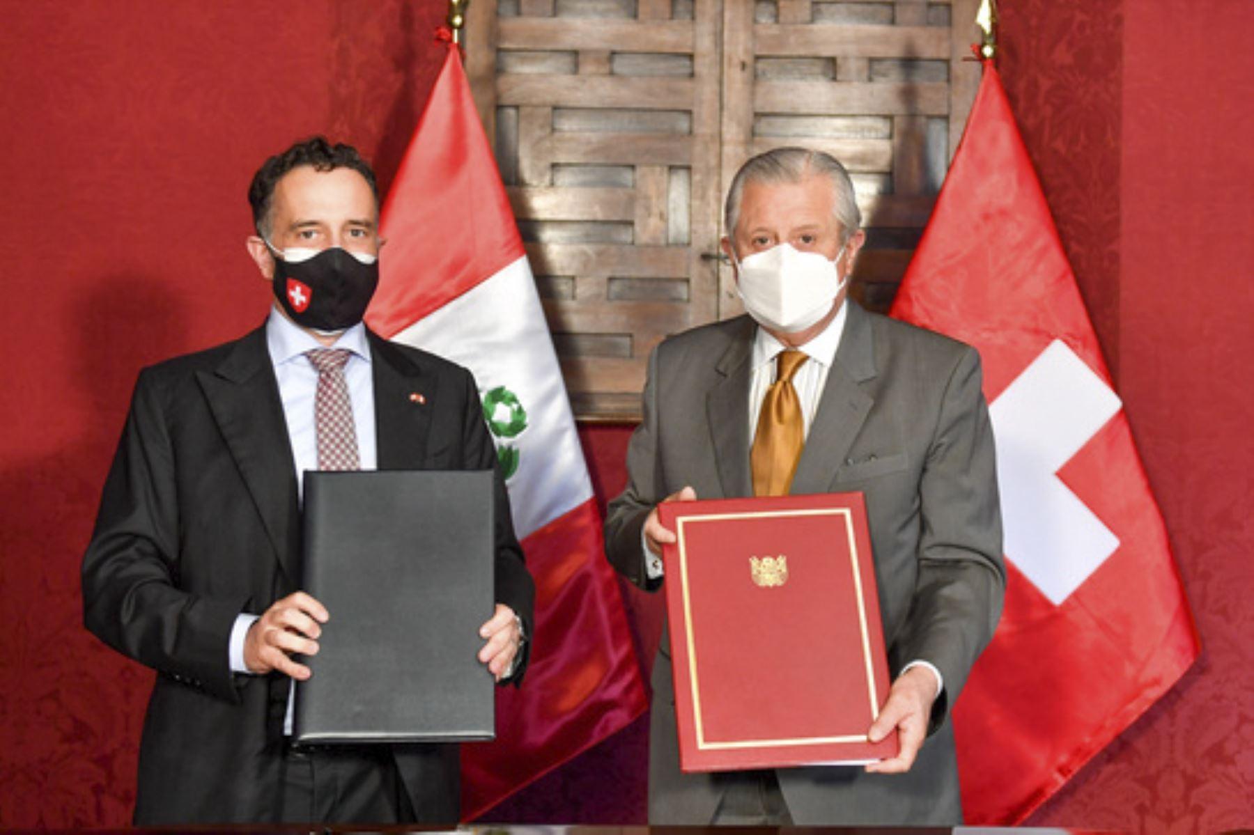 Perú y Suiza acuerdan ampliar sus relaciones aerocomerciales