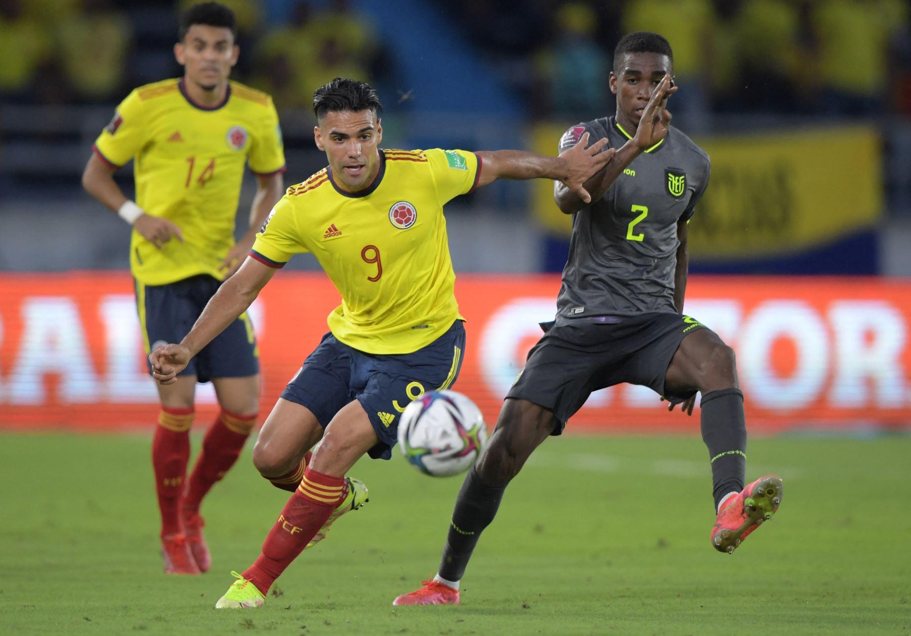 Colombia y Ecuador reparten un empate en un partido asfixiante