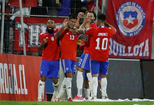 Chile gana 3-0 a Venezuela por las Eliminatorias a Qatar 2022