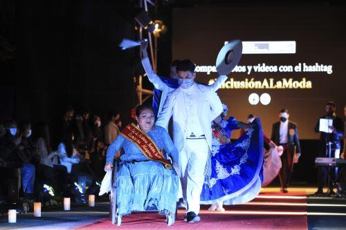 """Así se desarrolló el desfile """"Inclusión a la Moda"""" en el marco del Día Nacional de la Persona con Discapacidad"""