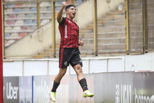 FBC Melgar golea 6-0 a la U. San Martín en la fecha 15 de la Liga 1
