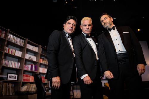 Leonardo Torres Vilar, Bruno Odar y Julián Legaspi suben junto a las tablas.
