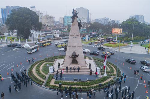 Restauración del monumento al aviador Jorge Chávez