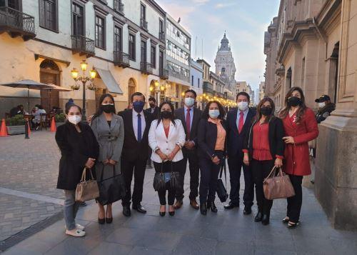 Bancada de Alianza para el Progreso (APP) se reúne con la jefa del Gabinete Ministerial, Mirtha Vásquez.