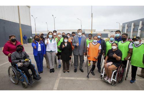 Primera dama participa de campaña de salud integral dirigida a las personas con discapacidad